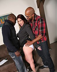 Busty MILF Tiffany Mynx having a hot interracial threesome on blacks on cougars blog
