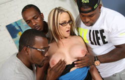 Dee Siren enjoys being gangbanged by her black tenants on blacks on cougars blog